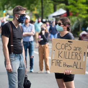 Protesters_masks