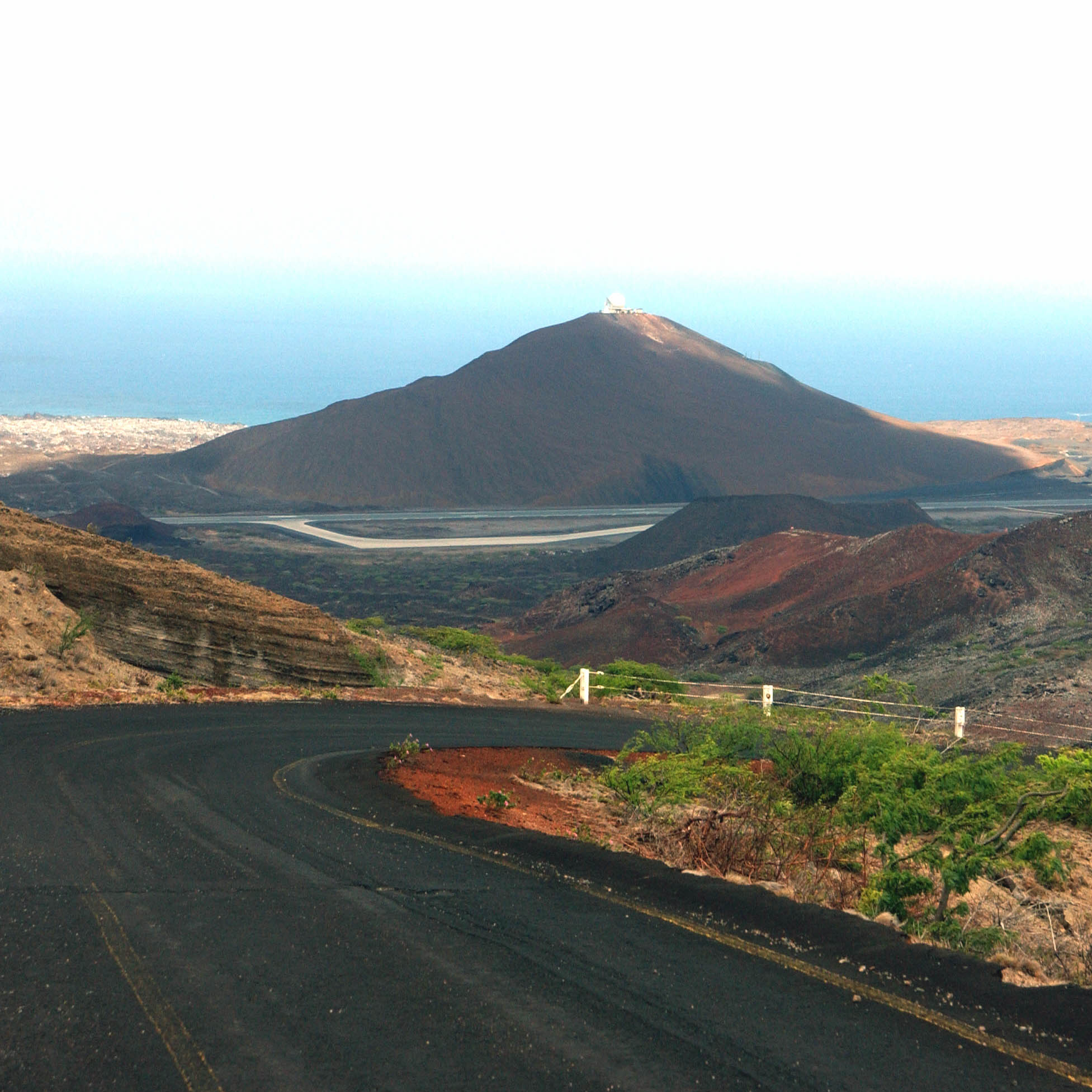 ASCENSION_ISLAND_WIDEAWAKE_AIRFIELD